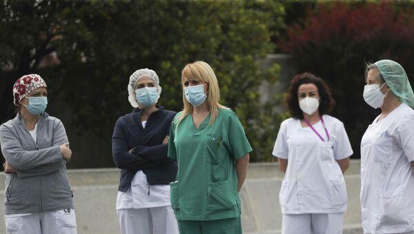Médicos en España - Sputnik Mundo