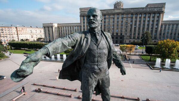 Desde el Ártico hasta la Antártida: monumentos dedicados a Lenin por todo el mundo  - Sputnik Mundo