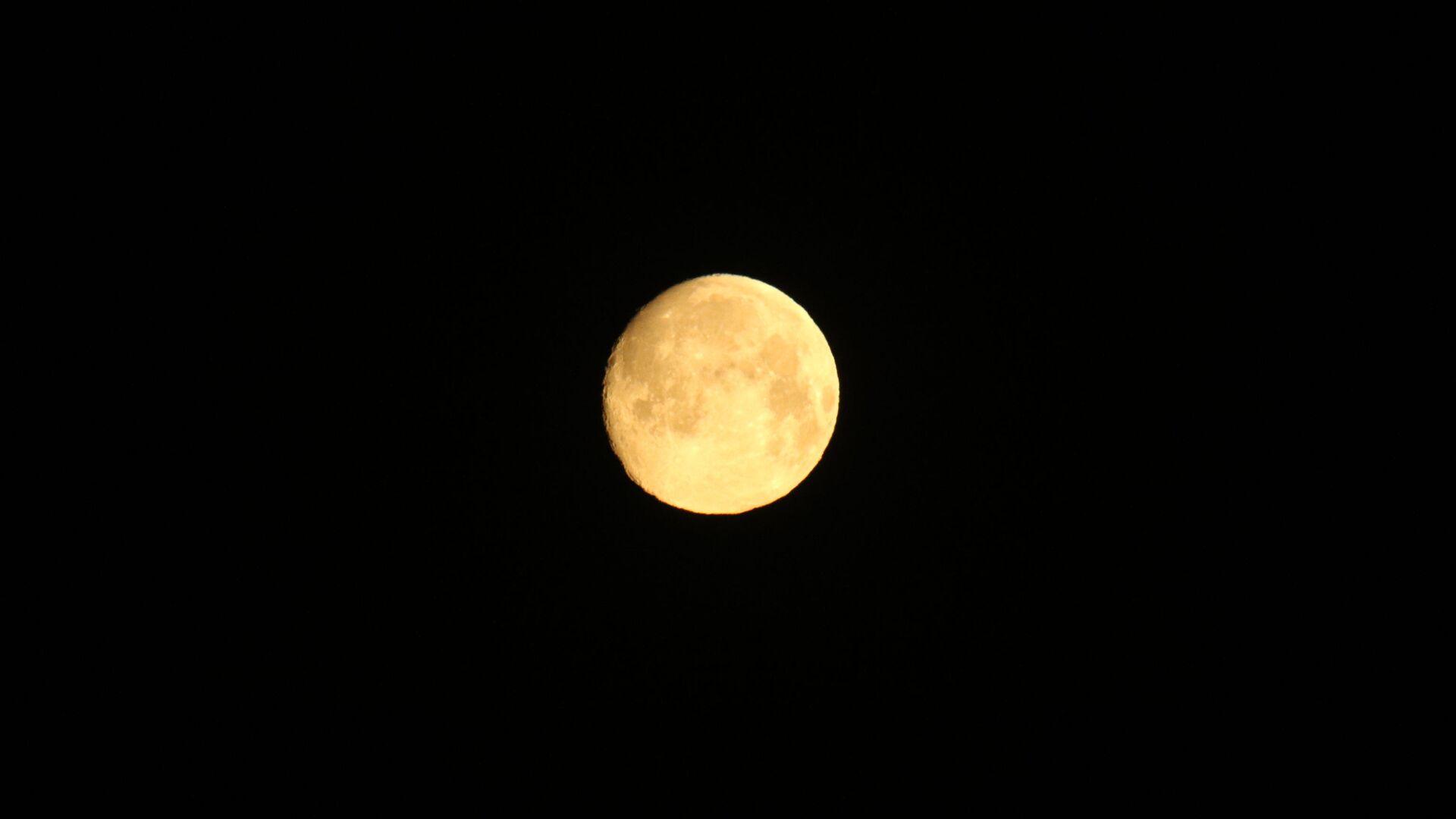La luna - Sputnik Mundo, 1920, 19.03.2021