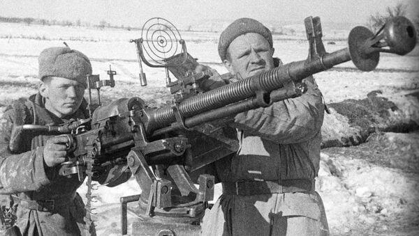 Los efectivos de la defensa antiaérea soviética durante la Segunda Guerra Mundial - Sputnik Mundo
