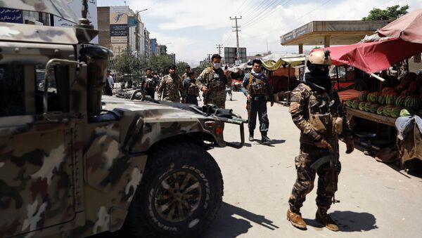 Las Fuerzas de Seguridad de Afganistán en el lugar del ataque en Kabul - Sputnik Mundo