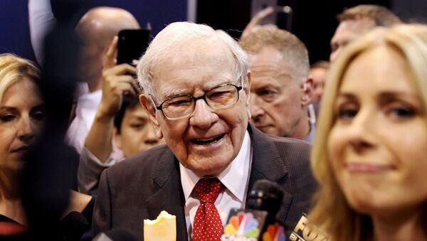 Warren Buffett, inversor y empresario estadounidense - Sputnik Mundo