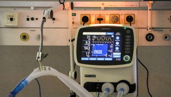 Un ventilador pulmonar - Sputnik Mundo