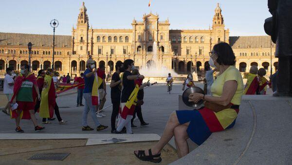 Cacerolada contra el Gobierno en Sevilla - Sputnik Mundo