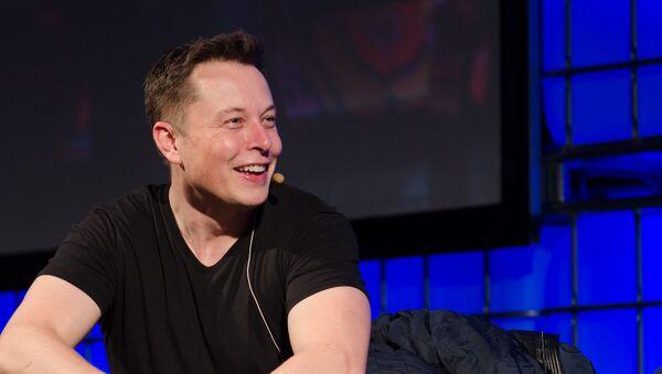 Elon Musk, CEO de Tesla - Sputnik Mundo