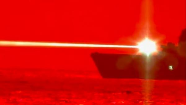 EEUU pone a prueba un cañón láser naval capaz de abatir drones   Vídeo - Sputnik Mundo