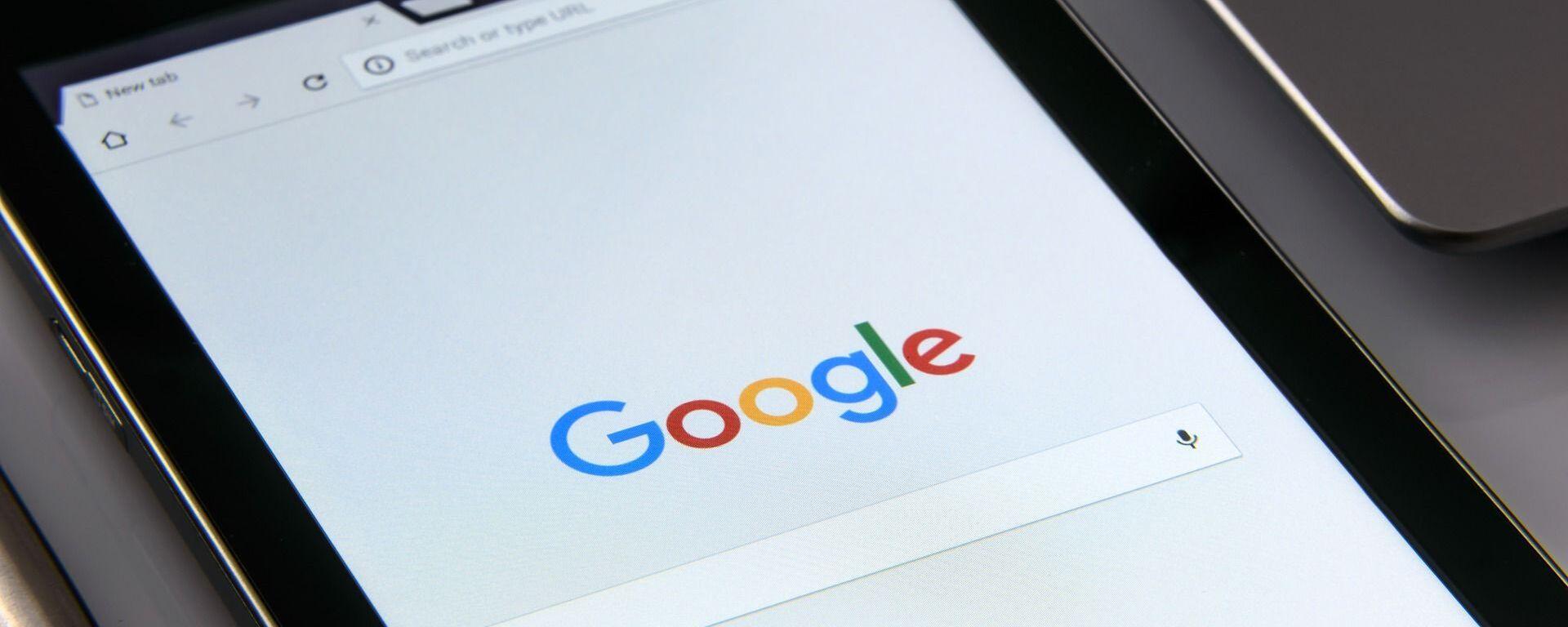 Una tableta con el buscador de Google - Sputnik Mundo, 1920, 03.09.2021
