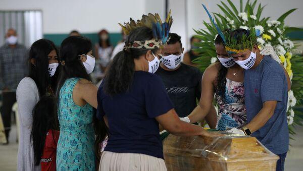 Funeral en Manaos Brasil - Sputnik Mundo