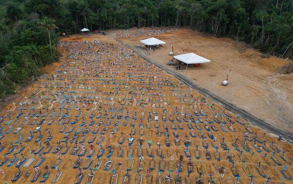 Vista del cementerio Parque Taruma durante el brote del coronavirus en Manaos, Brasil, 26 de mayo de 2020. - Sputnik Mundo