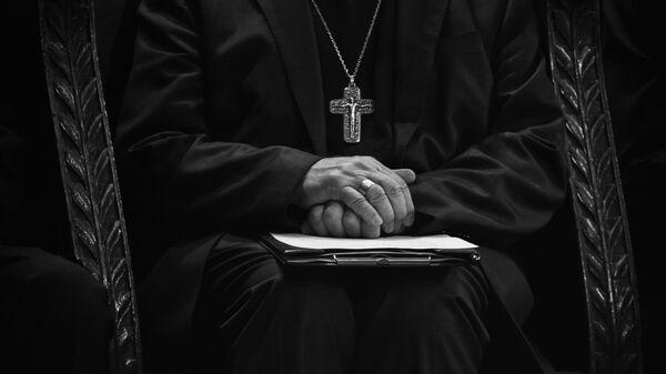 Un sacerdote (imagen referencial) - Sputnik Mundo