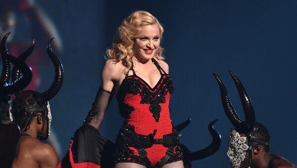 Madonna en los 57 entrega de los Premios Grammy - Sputnik Mundo