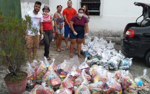 Reparto de canastas por trabajadoras sexuales de la RedTraSex en Brasil - Sputnik Mundo