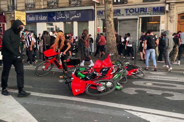 Protestas contra la brutalidad policial en París  - Sputnik Mundo