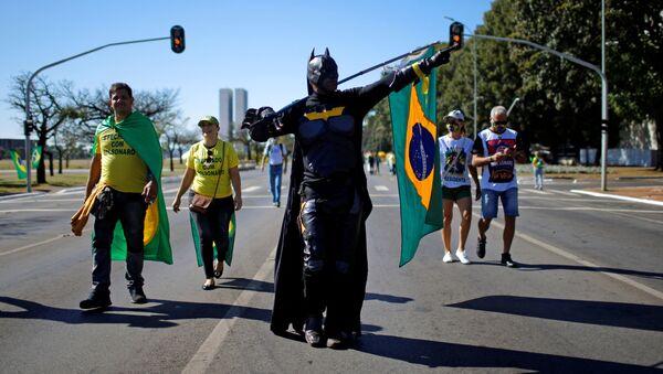Manifestación a favor de Bolsonaro en Brasilia - Sputnik Mundo