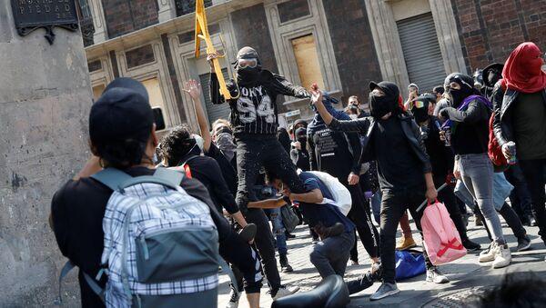 Protestas contra la violencia policial, Ciudad de México - Sputnik Mundo