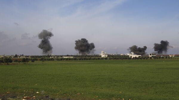 Un bombardeo en la provincia de Idlib, Siria (archivo) - Sputnik Mundo