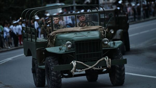 Un desfile militar en Crimea - Sputnik Mundo