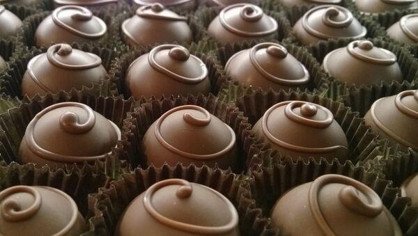 Bombones de chocolate (imagen referencial) - Sputnik Mundo