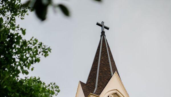 Una iglesia católica (imagen referencial) - Sputnik Mundo