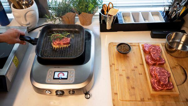 El futuro en tu plato: así es la carne vegetal impresa en 3D    - Sputnik Mundo