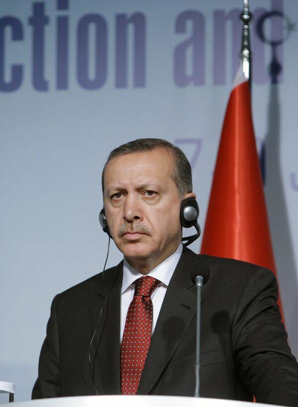 Turquía lanzará en 2012 su primer satélite espía, anunció hoy el primer ministro turco Recep Tayyip Erdogan. - Sputnik Mundo