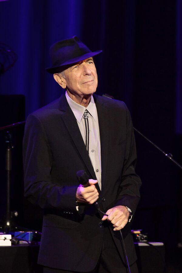 El mítico Leonard Cohen actúa por primera vez en Moscú  - Sputnik Mundo