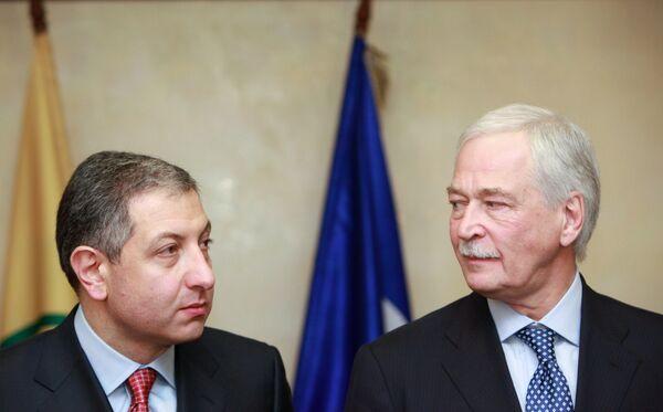 El ex presidente del Gobierno de Georgia, Zurab Nogaideli con Borís Grizlov - Sputnik Mundo