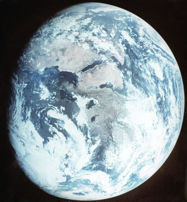 Nave espacial de carga japonesa recibe el nombre de Cigüeña Blanca - Sputnik Mundo