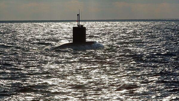 Submarino de la Armada rusa en el mar Báltico - Sputnik Mundo