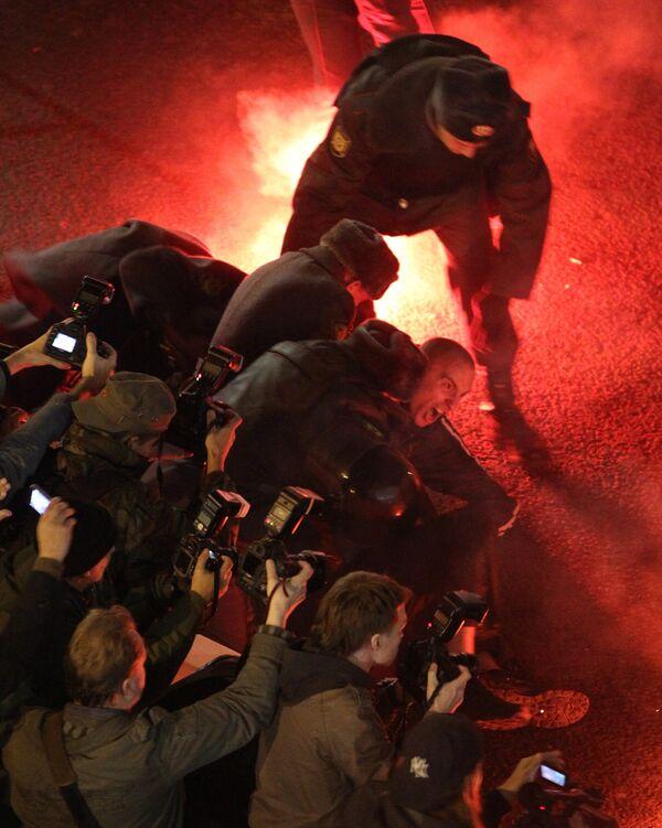 Nuevas acciones de protesta de la oposición en el centro de Moscú  - Sputnik Mundo