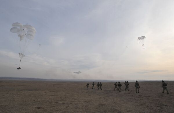 Militares de la OTSC concluyen maniobras conjuntas  - Sputnik Mundo