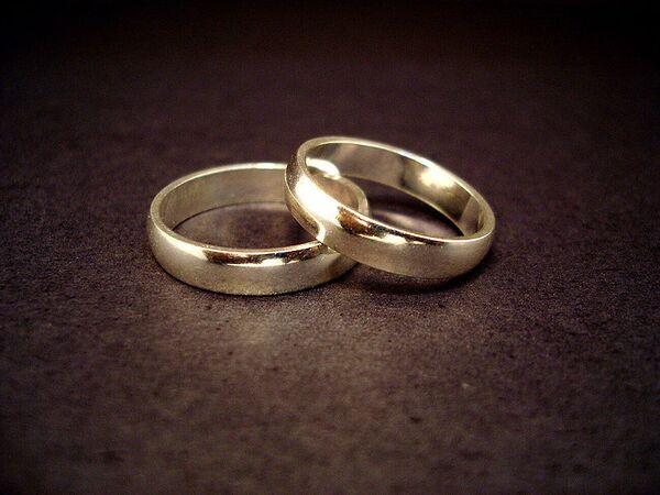 Los matrimonios contraídos a  temprana edad condenados al fracaso, según investigación - Sputnik Mundo