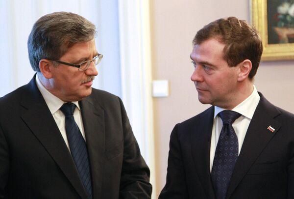 Bronislaw Komorowski y Dmitri Medvédev. Archivo - Sputnik Mundo