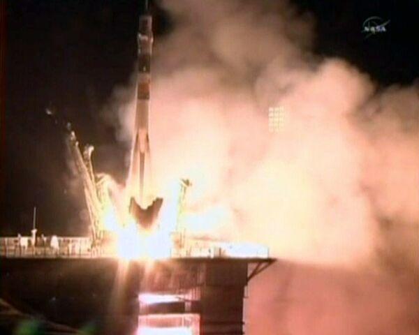 Soyuz TMA-20 despega desde Baikonur con los tripulantes de la nueva expedición a la ISS - Sputnik Mundo
