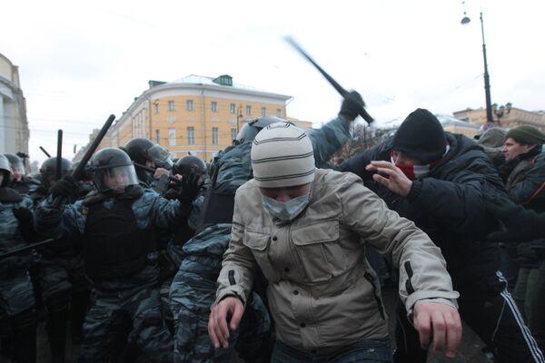 El presidente ruso exige impedir con firmeza los disturbios y procesar a sus participantes - Sputnik Mundo