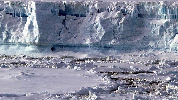 El Antártico esconde inmensas reservas del gas metano según estudio - Sputnik Mundo