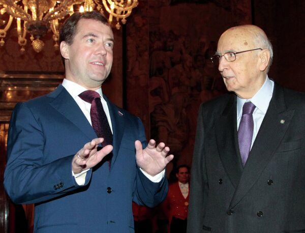 El presidente ruso Dmitri Medvédev y su homólogo italiano Giorgio Napolitano - Sputnik Mundo