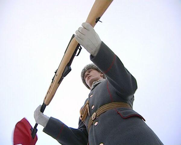 Famosa carabina Símonov reluce en las paradas militares - Sputnik Mundo