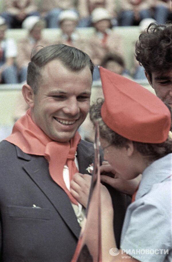 La vida de Yuri Gagarin, el primer hombre que voló al espacio - Sputnik Mundo