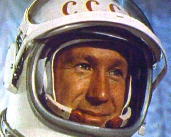 Caminata espacial de Alexéi Leónov en 1965 - Sputnik Mundo