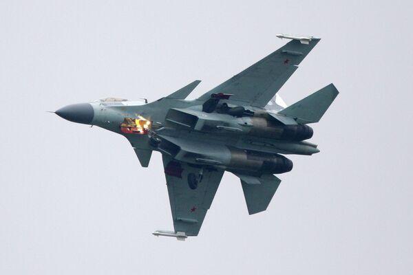 Rusia negocia la venta de aviones Su-35 y Yak-130 en Le Bourget - Sputnik Mundo
