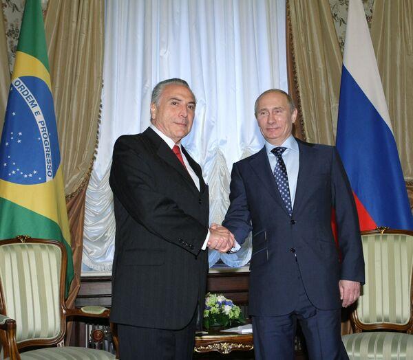 El vicepresidente de Brasil Michel Temer y Vladímir Putin - Sputnik Mundo