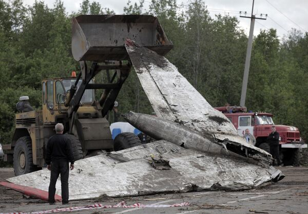 Pasado un día desde la catástrofe del avión cerca de Petrozavodsk - Sputnik Mundo