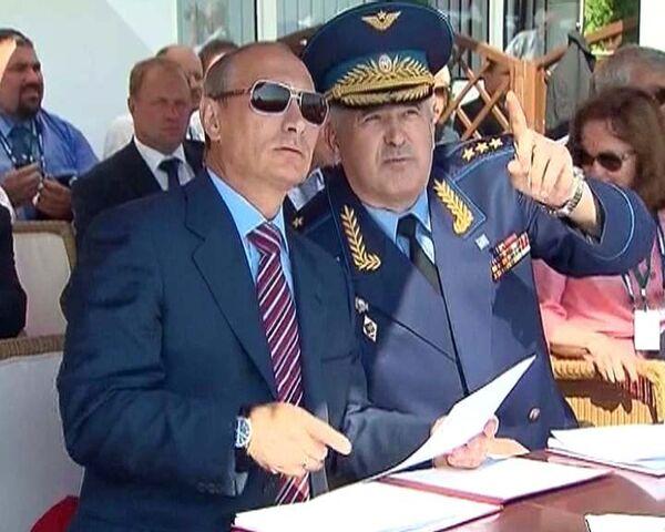 Putin visita el Salón Aeroespacial Internacional MAKS 2011  - Sputnik Mundo