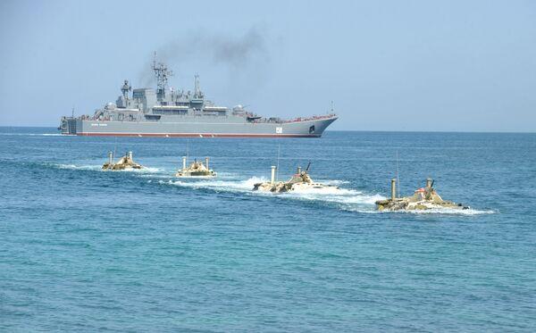 Flota rusa del mar Negro participará este año en tres simulacros internacionales - Sputnik Mundo