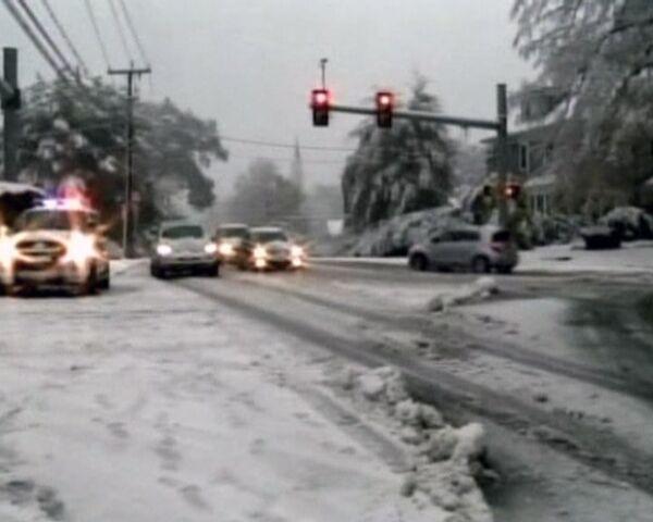 Tormenta de nieve azota el noreste de Estados Unidos - Sputnik Mundo