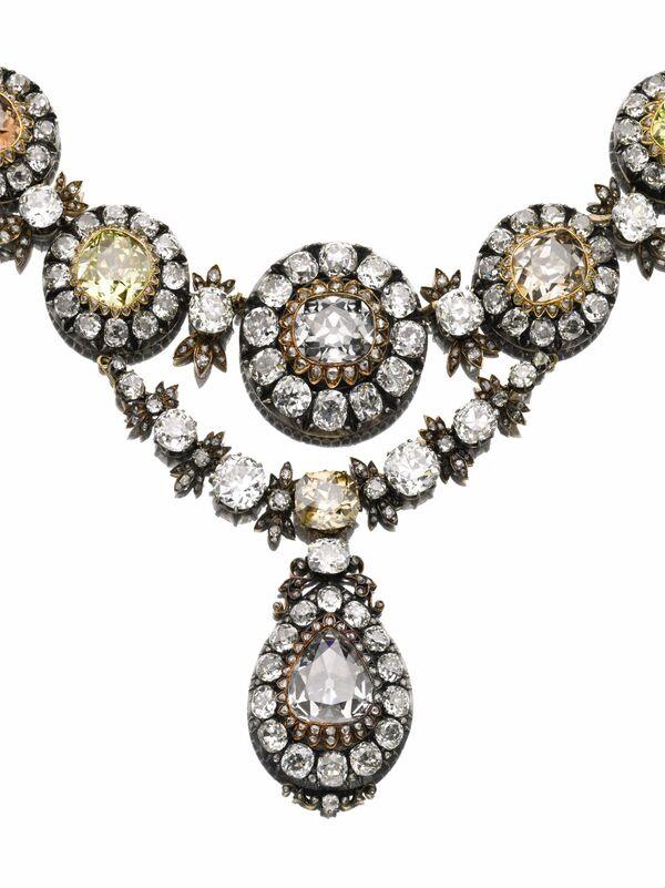 Diamantes de origen ruso, regalo a gobernante otomán, se subastarán en Sotheby's - Sputnik Mundo