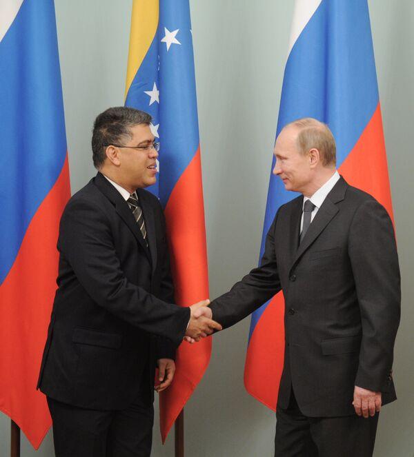 Elías Jaua Milano et Vladímir Putin - Sputnik Mundo