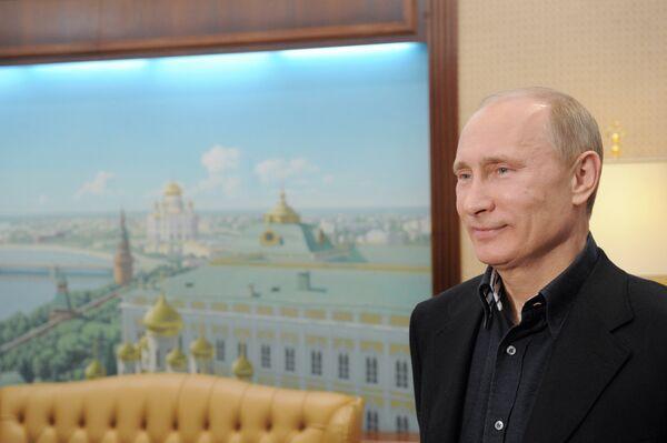 Observadores internacionales dicen que Putin tuvo privilegios sobre rivales durante campaña - Sputnik Mundo