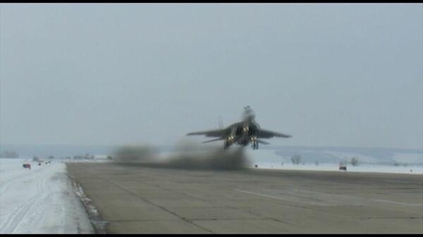 Nuevos MiG-29SMT pasan pruebas en ejercicios tácticos  - Sputnik Mundo